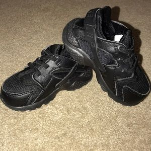 Nike huaraches for babies